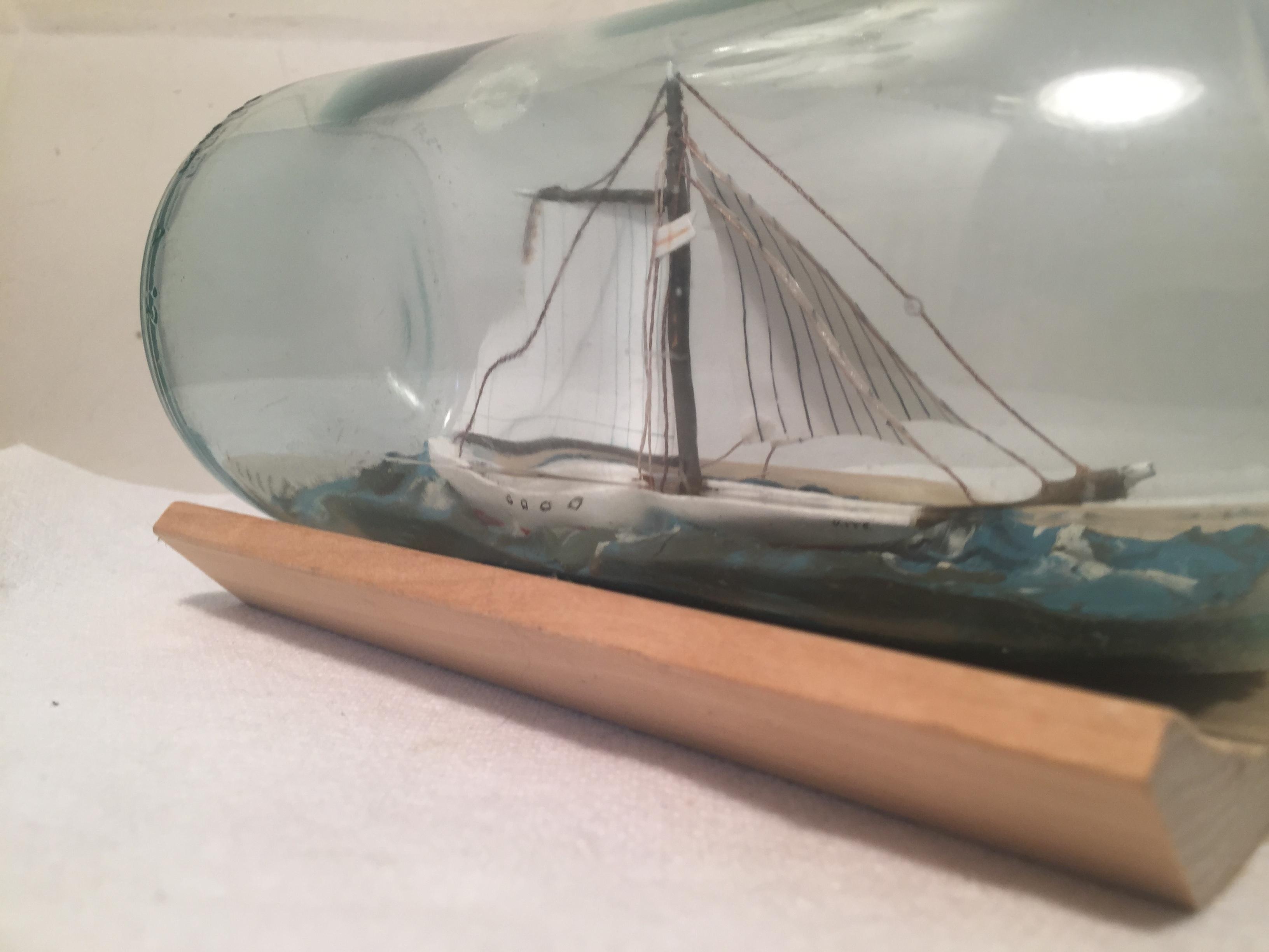 sloop in a bottle