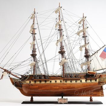Item: T012 – USS Constitution Exclusive Edition Tall ship model Nautical decor