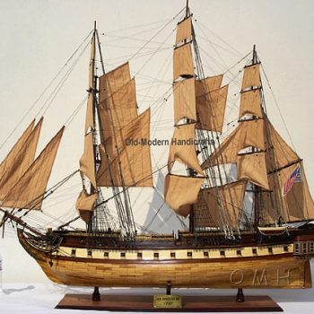T103 – USS Constitution XL model ship